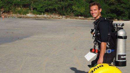 Trevor IDC Aussie Divers Phuket Padi Instructor