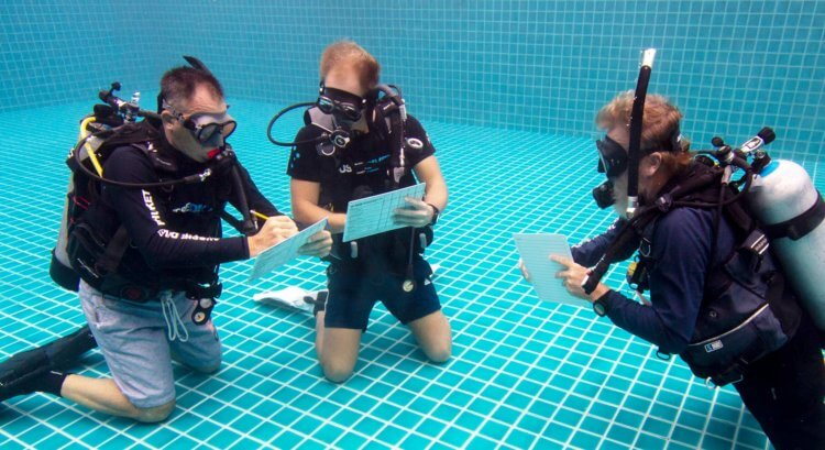 PADI IDC Phuket Confined Water Scoring
